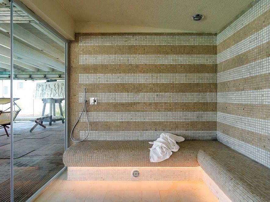 Bagno Turco Tradizionale Con Mosaici