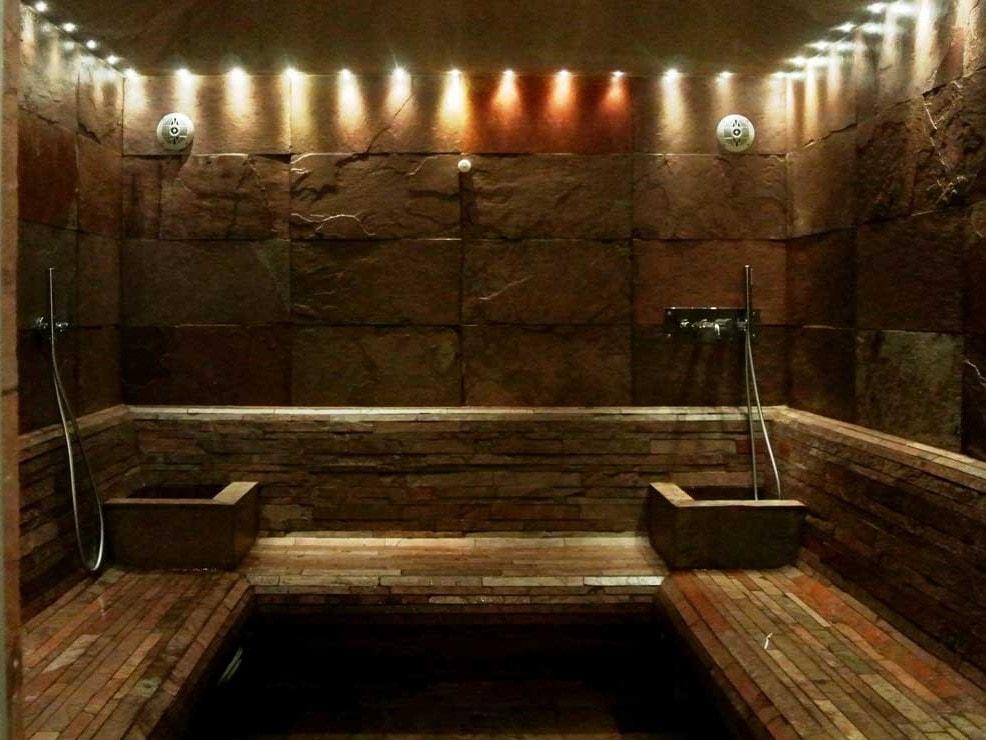 Bagno turco in casa costi interesting elimina la - Costo sauna in casa ...