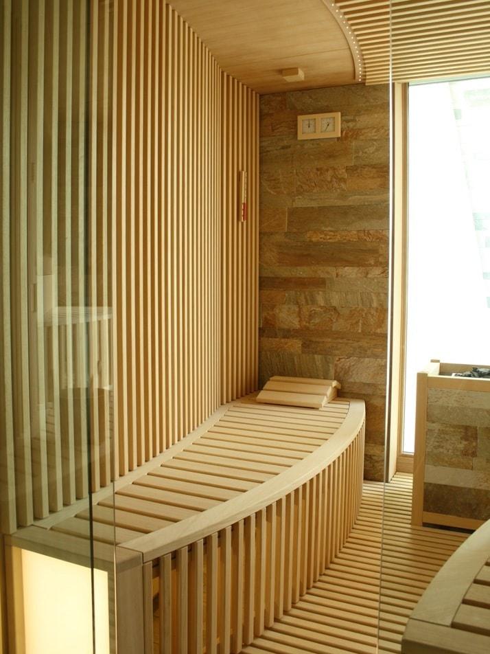 sauna-realizzata-su-misura-con-pietra